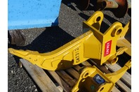 "Single Shank Mini Excavator Ripper 65mm Pin,  9""between Ears, CAT312"