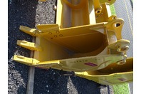 "18"" Excavator Bucket , 65mm Pin,  9""between Ears, CAT312"