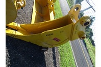 "12"" Excavator Trenching Bucket, Komatsu, 80mm Pin,  13""between Ears, PC220"