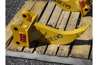 "Single Shank Excavator Ripper, 35mm Pin,  5 1/2""between Ears, CAT302"