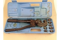 Burndy Hydraulic Cirimper Crimping Tool and Die Set , 2205