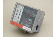 HoneyWell  Pressure Controller w/ Auto Recycle  , 169H