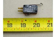 MicroSwitch  Snap Action, Roller Lever, SPDT , V3L-121-D8