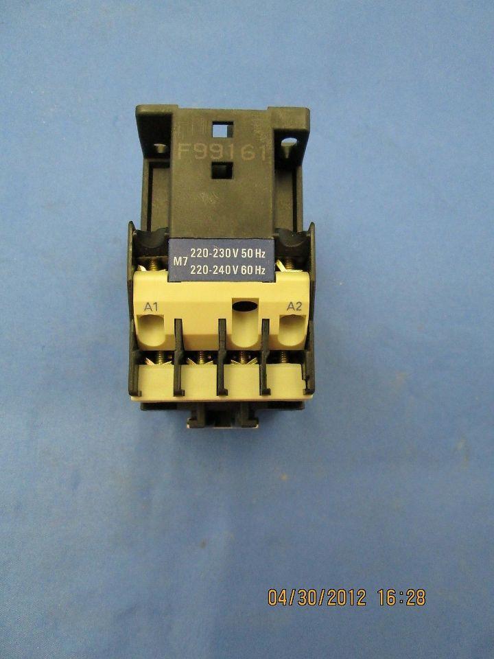 TELEMECANIQUE LC1D096 SQUARE D CONTACTOR 220V 50//60Hz