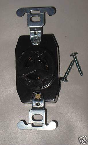 Pass & Seymour Turnlok Receptacle 4710 15 A 125 V