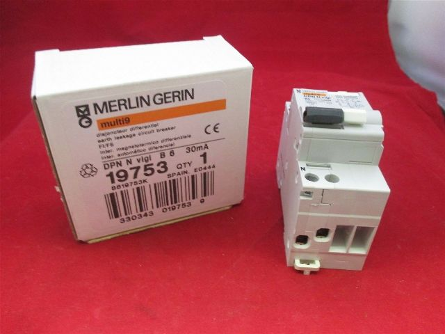 Merlin Gerin Circuit Breaker 19753 new