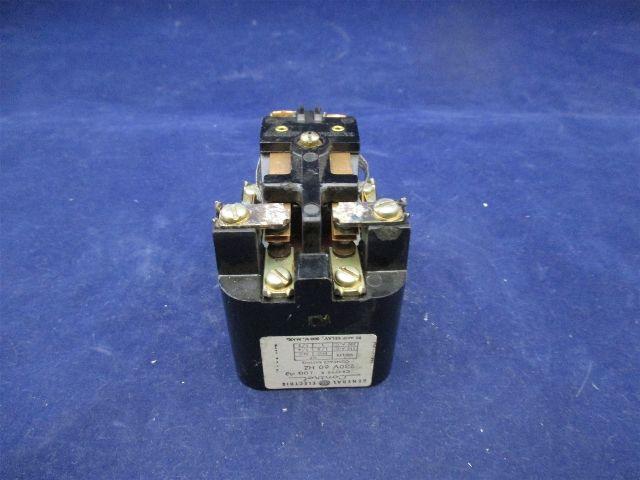General Electric CR2790E100A3 Relay