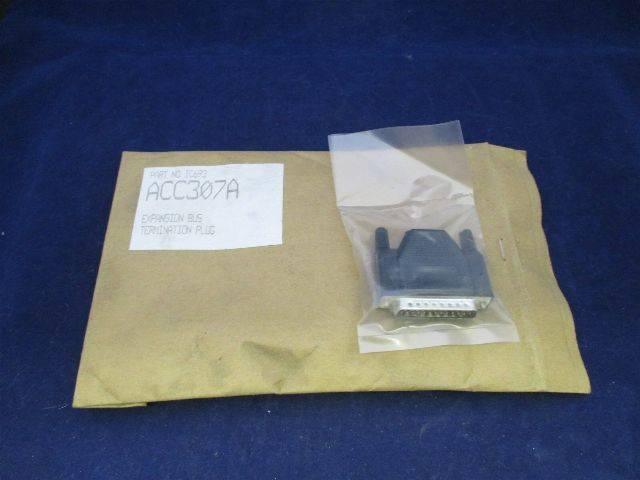 GE Fanuc IC693ACC307A Expansion BUS Termination Plug New
