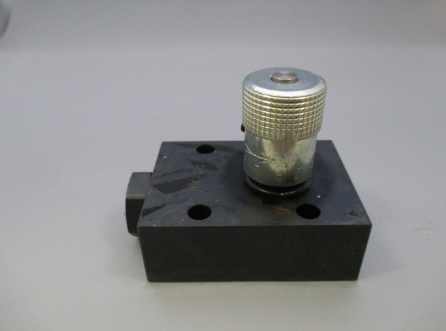 Parker FS600S Hydraulic Flow Control Valve