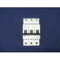 General Electric D32 32 amps Circuit Breaker