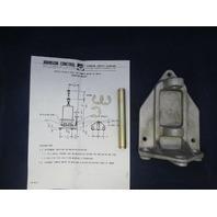 Johnson Control D-3244 Swivel