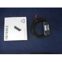 Keyence FS-V21R Fiber-Optic Photoelectric Sensor Amplifier new