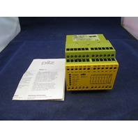 Pilz PNOZ 11 7S/1O 774080 Safety Relay  new