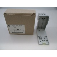 Allen Bradley 193-EPB Din Rail/ Panel Adapter new