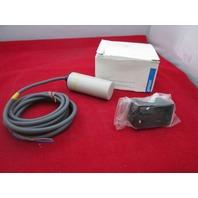 Omron E2K-C25MY1 Capacitive Sensor  new