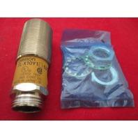 Omron  TL-X10Y1-52 Sensor new