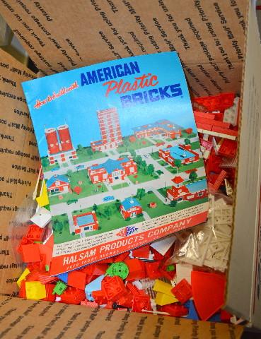 7 Pounds (Over 1000 pcs) Vintage American Brick Plastic Building Blocks