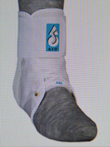 MedSpec ASO Ankle Stabilizer - Medium - White, fits into any shoe. Lace up version.