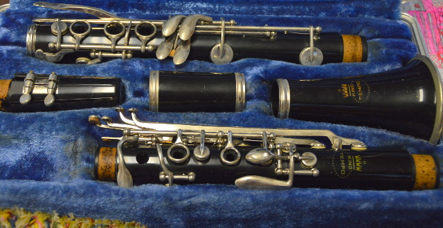 King Tempo Bb Clarinet with Case - Pre Owned, in very good shape.