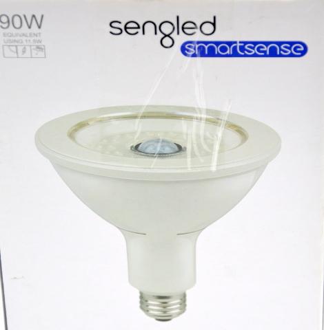 Sengled Flood Light w/Motion Sensor Light 90W 1050Lumens at 3000K - Open box.
