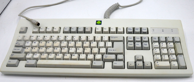 Zenith Data Systems SK-2000RE PS2 Keyboard - it has the green