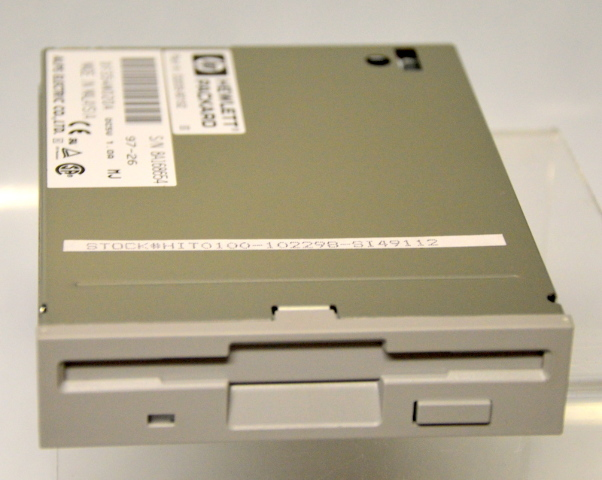 HP D2035-60152 3.5 1.44MB Floppy Drive  - DF354N020A