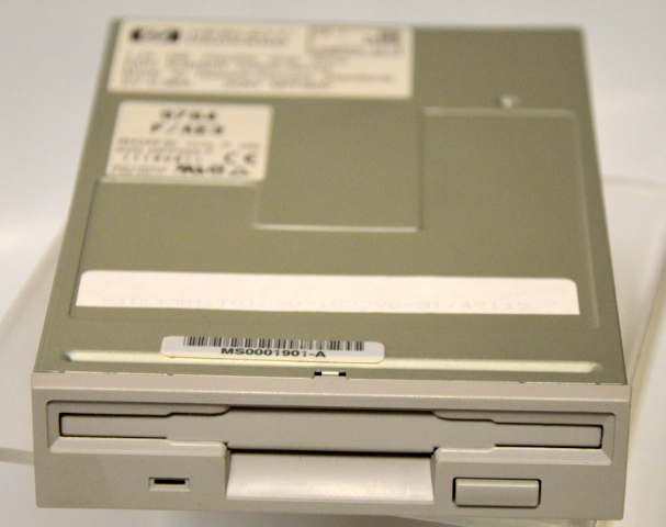 HP D2035-60132 3.5 1.44MB Flexible Disk  Drive - Sony MPF920