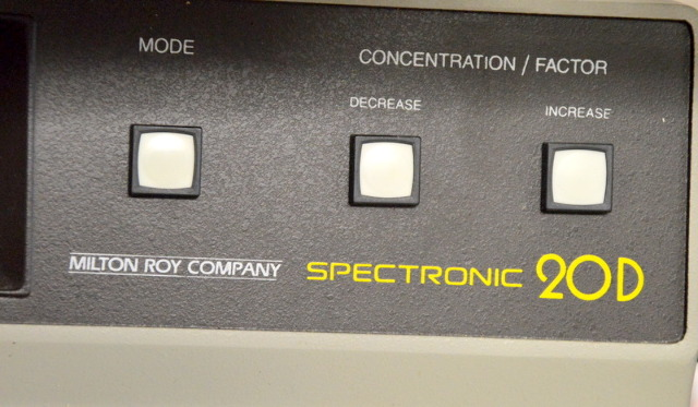 Spectronic 20D Digital Spectophotometer - Powers On.