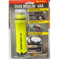 Pelican MityLite Flashlight #2420 4AA, Xenon Beam 250' Submersible-New Old Stock