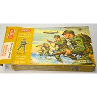 Vintage Airfix 1/32nd Scale WW11 American Infantry 29 pc - Complete in original box.