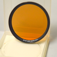 Vintage B+W 52E KR15 2,3X - Glass Filter with Plastic case. Peach Lens