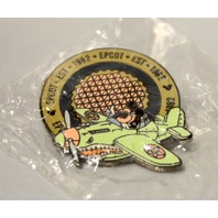 Epcot 1982 Mickey Mouse flying an Airplane 2000 Pin