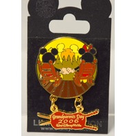 Disney Trading  Pins 2006 Grandparents Day LE pin