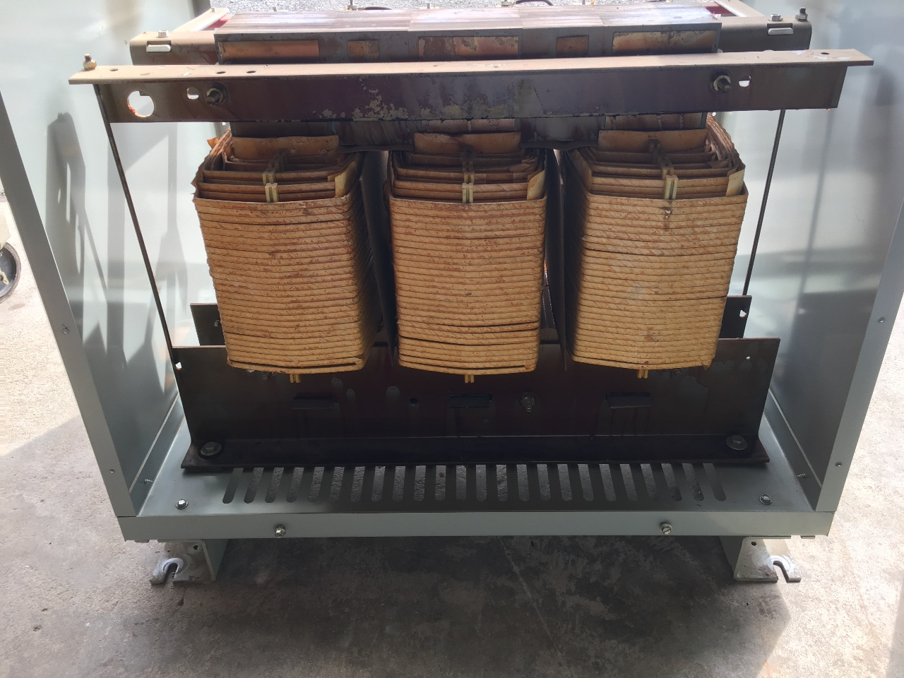 GE 9T23B3874 75 KVA 480 208Y 120 3 Phase Transformer