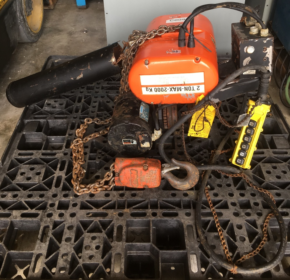 CM LODESTAR, 2 Ton electric chain hoist with power trolley