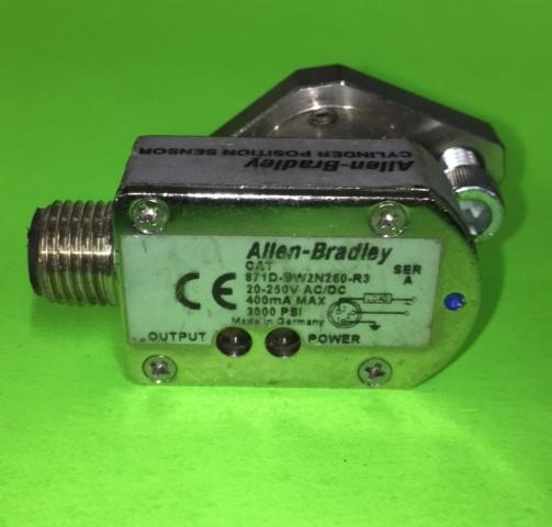 Allen Bradley Cylinder Postion Sensor 871D-BW2N260-R3, Ser A