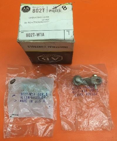 8-ALLEN BRADLEY 802T-W1A, Ser. 1 ROLLER LEVER NON-ADJ STEEL 1.5'' RADIUS LOT OF-8