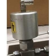 Swagelok 316L-50DF4-500 Double end cylinder + valve  set up, +misc