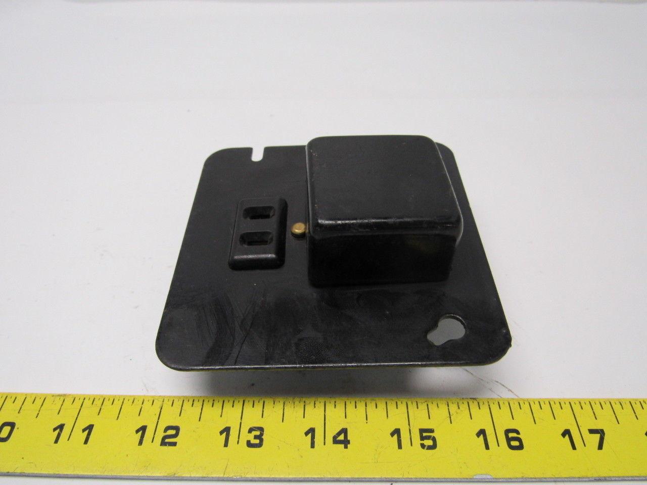 "Buss Bussman - SRY 4"" plug-fuse box cover 125V 15A"