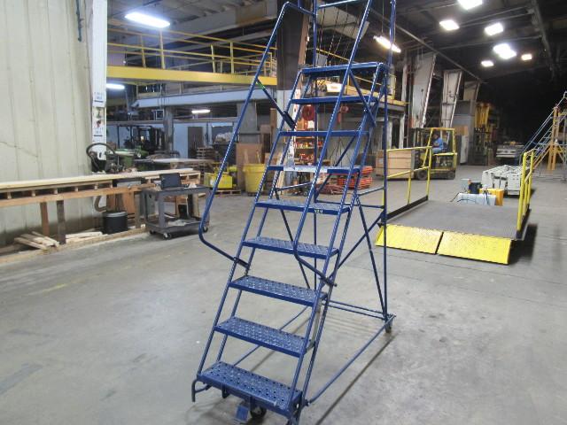 Louisville Ladder Sw2409 300 Lb Steel Warehouse Rolling