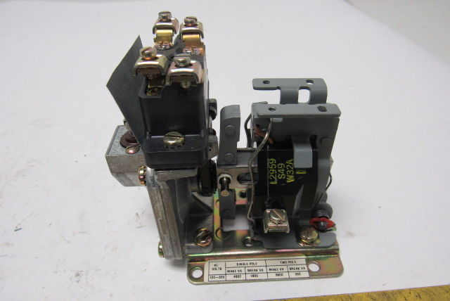 Square D 9050 AO-10 PNUEMATIC Timer Relay Type AO 10E  Series A 120-600 Volts