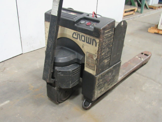 Details About Crown 40GPW 4 14 24V Electric Pallet Jack 4000LB Capacity W Built In Charger