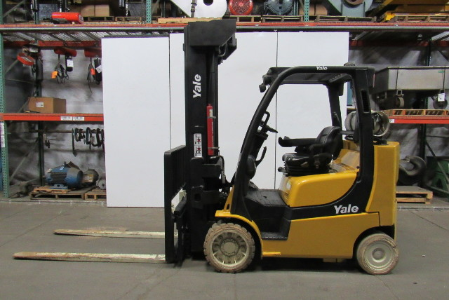 Yale GLC080VXNGAQ105 2011 8000LB Traction Cushion Forklift 4 Stage High Lift LPG