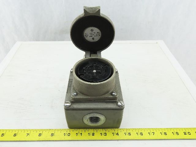 Hubbell D-55057 D-50519 W/600A 600V Turn Lock Plug