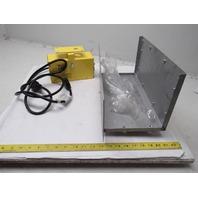 DL Manufacturing VersaLight Model 430-2 120V 60Hz LED Dock Light W/Cooling Fan