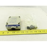 Telemecanique XSD M600539 Inductive Proximity Sensor 24-240V AC/DC