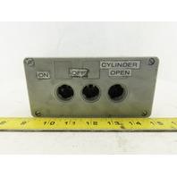 Siemens 3SB1803-4 10A 660V 3 Port Bush Button Station Cast Aluminum Enclosure