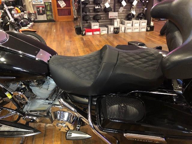 Saddlemen Black Leather Road Sofa Lattice Seat for 97-06 Harley Touring FLHR