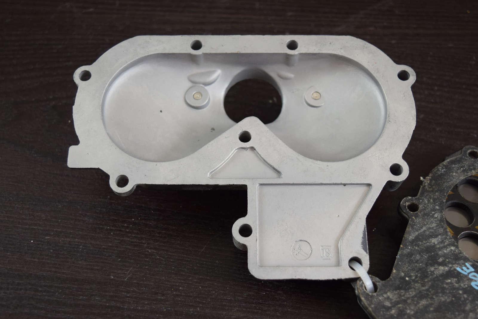 Mercury Mariner Intake Manifold & Reed Plate 80570M 84758M 20 25 30 HP 2 cyl
