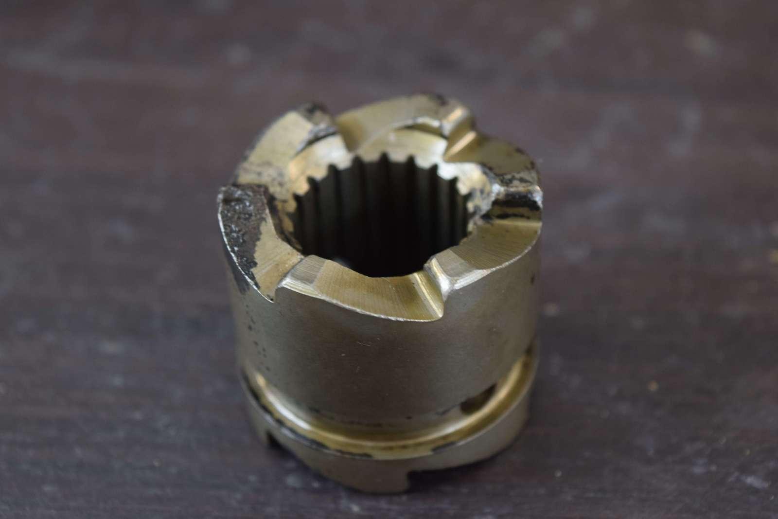 1970-1975 Mercury Clutch Dog 52-47581 47581 4 6 7 5 9 8 HP 2 Cylinder 2-  Stroke